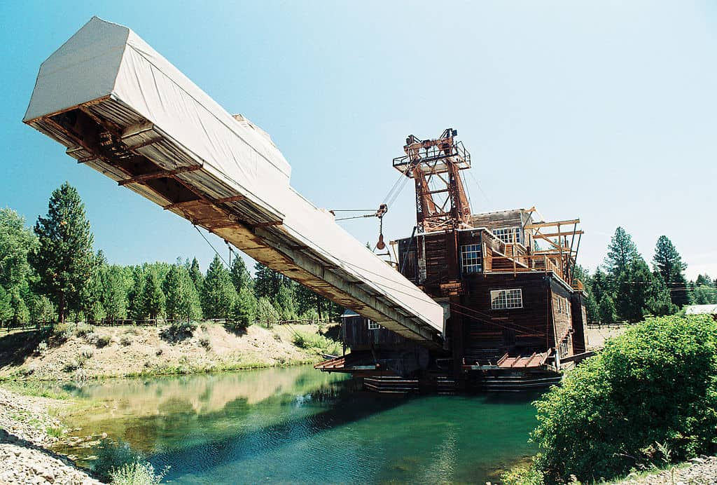 5 Steps to Professional Prospecting: How to Build a Gold Dredge